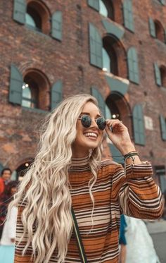 Blonde Wig for Women Synthetic Lace Front Wig Long Wavy Mixed 613 Wigs for Women Free Part Natural Hairline 22 Inch Natural Hair Curly Hair Styles, Natural Hair Styles, Hair Inspo, Hair Inspiration, Festival Mode, Festival Fashion, Music Festival Hair, Fyre Festival, Diy Outfits