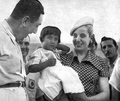 ACTIVIDADES DE EVA PERON President Of Argentina, 1940s Woman, Strong Women, Actresses, Couple Photos, Lady, People, Pj, Divas