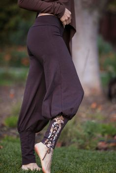 Tribal Yoga Harem Pant with lace up applique by ElvenForest.. Not sure why but I think this is really cool