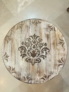 Designed by HaniehRad 9364987010 Iranian de. Chalk Paint Projects, Small Wood Projects, Funky Painted Furniture, Painted Chairs, Stencil Painting, Painting On Wood, Painting Furniture, Antique Mailbox, Home Decor Wall Art