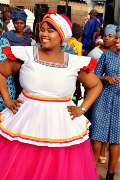African queen African Attire, African Wear, African Fashion Dresses, Sepedi Traditional Dresses, African Traditional Wedding Dress, Africa Dress, Fashionable Outfits, Mo S, Women's Fashion