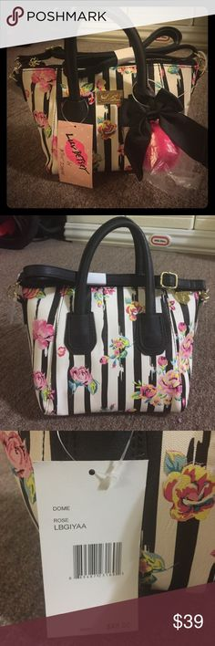 🚫SOLD🚫PRICE FIRM‼️Betsey Johnson Bag 💼 Betsey Johnson Bag 💼 msrp $48 new with tag Betsey Johnson Bags Crossbody Bags