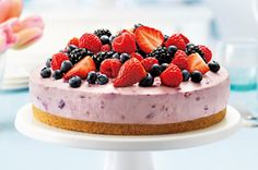 This cheesecake is loaded with berry goodness! A medley of fresh berries is used in the cheesecake batter and as a finishing touch. Our Berry Bliss Cheesecake is a must-try! Coconut Dessert, Oreo Dessert, Brownie Desserts, Köstliche Desserts, Delicious Desserts, Dessert Recipes, Recipes Dinner, Dinner Ideas, Kraft Foods