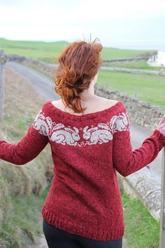 William is one of 16 glorious designs in Stranded Knits, a superb technique manual and pattern collection that Ann created for Rowan Yarns. The book is available from Rowan stockists.