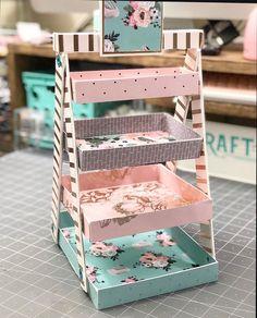 Diy Cardboard Furniture, Cardboard Box Crafts, Paper Crafts Origami, Diy Crafts To Do, Diy Crafts Hacks, Diy Projects, Desk Organization Diy, Craft Room Design, Decorate Notebook