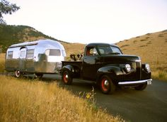 1949 Curtis Wright Clipper [1948 Studebaker M5 Pickup tow] Dal & Jane Smilie Helena, Montana