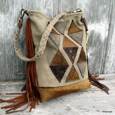 Geometric leather bucket bag.
