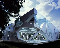 Dissolves into sky, does not look like solid mass - Toyo Ito, Pritzker Prize 2013, Serpentine Gallery Pavilion, 2002, London, U.K.