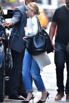 See How Ashley Olsen Elevates A Pair Of Jeans | Olsens Anonymous | Bloglovin'