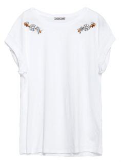 t-shirt blanc à bijous , strass blanc et jaune sur les épaules, soldes zara