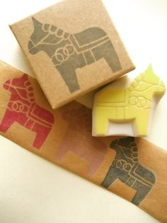 dala+horse+rubber+stamp.+hand+carved+rubber+stamp.+by+talktothesun,+$9.00