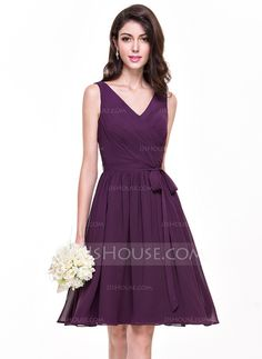 A-Line/Princess V-neck Knee-Length Chiffon Bridesmaid Dress With Ruffle Bow(s) (007068152)