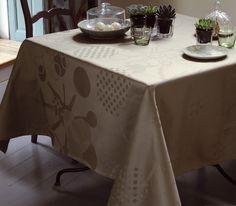Garnier Thiebaut - Mille Flots Unser Service für Sie: wir nähen Ihre Tischdecke kostenlos!   Sie geben Ihre Tischmaße ein und unser Tischdeckenkonfigurator berechnet Ihre persönliche Tischdecke.   Wählen Sie aus herrlichen Stoffen Ihren Favoriten. Nichts Passendes gefunden?   Rufen Sie uns an unter Tel. (0281) 24173 und wir machen es passend! Sie sind sich in der Farbwahl nicht sicher?   Gerne senden wir Ihnen Stoffmuster zu