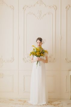 Yellow bridal bouquet | Warmphoto Photography | see more on: http://burnettsboards.com/2014/04/vintage-birdcage-bridal-session/