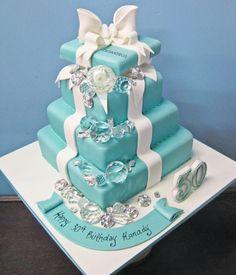 Tiffany Box & Jewels Cake Tiffany Cakes, Tiffany Theme, Tiffany Party, Tiffany Wedding, Tiffany And Co, Tiffany Blue, Pretty Cakes, Cute Cakes, Beautiful Cakes
