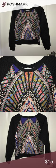 Francesca's Quilted Pattern Sweatshirt Awesome piece! Francesca's Collections Tops Sweatshirts & Hoodies