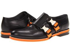 Viktor & Rolf Monkstrap: Men's Black Shoes with Orange Soles and Buckles.there's visions of velcro and the Monarch's henchmen in these. New Shoes, Men's Shoes, Shoe Boots, Dress Shoes, Tom Ford Suit, Black Toms, Mens Fashion Shoes, Men's Fashion, Fashion Trends