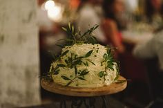 White wedding cake decorated with leaves: Photography: Love Made Visible Wedding Cake Decorations, Wedding Cake Designs, Wedding Desserts, Beautiful Wedding Cakes, Beautiful Cakes, South African Weddings, 100 Layer Cake, Rustic Cake, Wedding Cake Inspiration