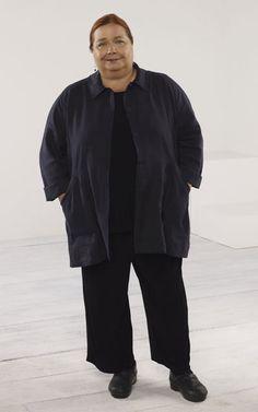 El personaje de Berta interpretado por Conchata Ferrell tuvo tanto éxito con la audiencia, que para la segunda temporada se convirtió en uno de los personajes recurrentes.