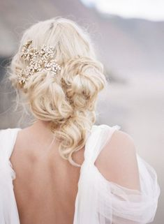 bloned messy wedding updo chignon hairstyle with headpiece