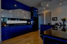 Contemporary Kitchen Design Ideas in Blue Wallpaper