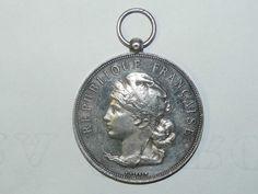 Belle médaille ancienne en Argent Massif / République Française