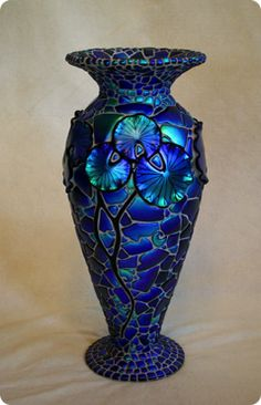 Mosaic Lily Vase, dichroic glass, by Laurel Yourkowski Glass Ceramic, Mosaic Glass, Dichroic Glass, Fused Glass, Blown Glass, Art Of Glass, Glass Vase, Cut Glass, Art Nouveau