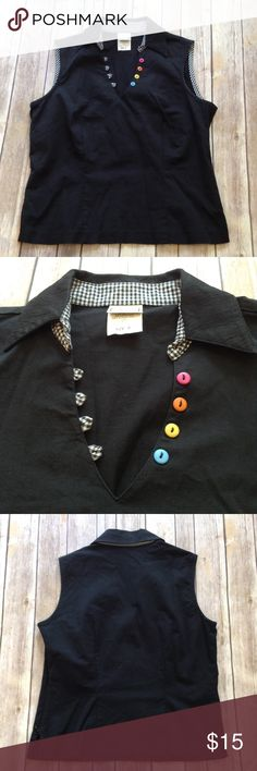 """Pine Cove black zippered blouse EUC! So cute with those contrasting buttons!  10"""" Side zipper.  APPROX FLAT MEASUREMENTS  22"""" ↕️ from back neckline  18"""" ↔️ Armpits 14"""" ↔️ Shoulders Pine Cove Tops Blouses"""