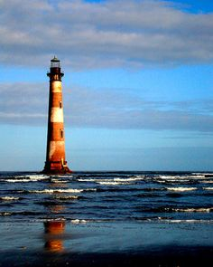 Google Image Result for http://4.bp.blogspot.com/_dmxgnrXRDTI/TFLcSLLzWBI/AAAAAAAAA_I/O_kPv_pqytc/s1600/morris-island-lighthouse.jpg