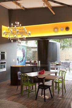"""Criado pelo designer a cozinha giratória vai interagir """"brincar"""" com a casa possibilitando inúmeras combinações entre área externa e interna. details #fabiogaleazzo #galeazzodesign"""