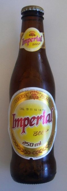 Cerveja Cerveja Imperial, estilo Standard American Lager, produzida por Cervejaria Imperial, Brasil. 4.7% ABV de álcool. Canadian Beer, Malt Beer, Beers Of The World, Brew Pub, Beverages, Drinks, Brand Packaging, Tahiti, Sangria