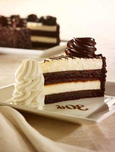 Anniversaire – Assiette – Chocolat – Crème – Délicieux – Gâteau – Pâtisserie