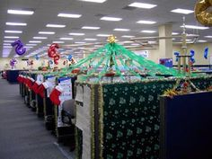 island of misfit employees christmas cubicle | cubicle decorating