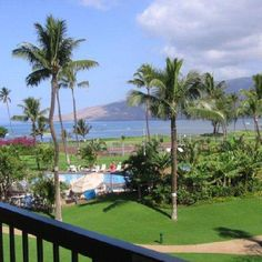 Oahu offers travelers so many wonderful activities and sights! Find them all with our comprehensive guidebooks. Believable Guides for Unbelievable Vacations.