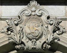 Barcelona - Gran Via 647 d Art Nouveau, Art Deco, Engraving Art, Fancy Letters, Wood Carving, Stone Carving, Best Places To Live, Architectural Elements, French Antiques