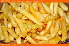 French fries in the oven Czech Recipes, Russian Recipes, Ethnic Recipes, Fries In The Oven, French Fries, Macaroni And Cheese, Side Dishes, Good Food, Potatoes