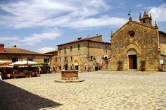 Fotos de: Italia - Monteriggioni - Pueblo con encanto