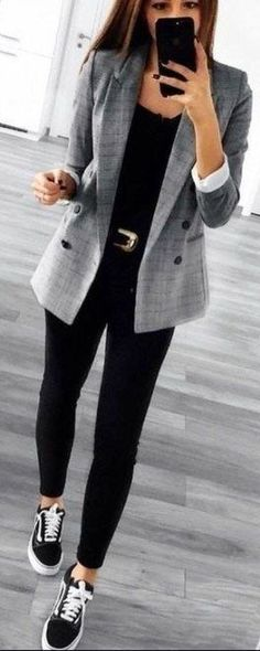 Ideas sneakers outfit work chic pants - Business Outfits for Work Casual Work Outfits, Winter Outfits For Work, Business Casual Outfits, Casual Look, Mode Outfits, Office Outfits, Work Casual, Jean Outfits, Fashion Outfits