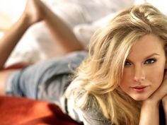 Taylor Swift Hot | Celebrities World: Taylor Swift HOT Bikini Body