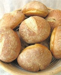 They once were lost, but now they're found… Crusty Hard Rolls : King Arthur Flour – Baking Banter Sourdough Rolls, Crusty Rolls, Crusty Bread Rolls Recipe, Artisan Rolls, Artisan Bread, Bread Machine Recipes, Bread Recipes, Hard Rolls, Rolls Rolls