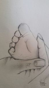 Baby feet rest in mom's hand sketch by Think os Vinci🤓- # hand sketch . Baby feet rest in mom's hand sketch by Think os Vinci🤓- # han . Easy Pencil Drawings, Cute Baby Drawings, Pencil Drawing Images, Pencil Sketch Drawing, Girl Drawing Sketches, Girly Drawings, Art Drawings Sketches Simple, Love Drawings, Sketches Of Hands