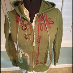 Free people zip front sweatshirt Free People well loved sweatshirt. This in the comfy go to sweatshirt! It has been worn several times, but came with natural distressing as Free People does. Very Boho chic! Free People Jackets & Coats