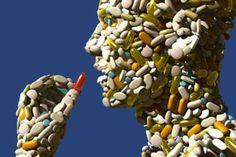 Medicamentos.  Los farmacos constituyen el eje central de la TRF que QF ha llevado a las diferentes sedes regionales.