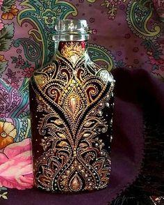 Beautifully crafted #decoratedwinebottles Painted Glass Bottles, Glass Bottle Crafts, Wine Bottle Art, Painted Vases, Diy Bottle, Bottle Painting, Dot Painting, Decorated Wine Glasses, Glass Printing