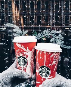 Merry Christmas from Starbucks! Christmas Feeling, Christmas Time Is Here, Merry Little Christmas, Noel Christmas, Winter Christmas, Starbucks Christmas, Christmas Tumblr, Christmas Coffee, Christmas Quotes