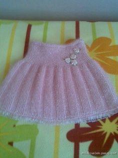 Baby girl/toddler dress or pin Baby Knitting Patterns, Knitting Blogs, Knitting For Kids, Crochet For Kids, Knit Crochet, Baby Girl Skirts, Baby Skirt, Toddler Girl Dresses, Girl Toddler