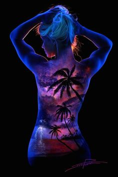 Bodyscapes: Spectacular Black Light Body Art Photography by John Poppleton.... Love this one :)