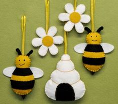 Corinne Lapierre - Bees, Hive And Flowers Felt Craft Kit - bunting & garlands