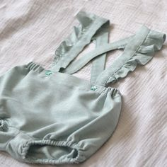 Girl Dress Patterns, Baby Patterns, Skirt Patterns, Blouse Patterns, Maxi Dress Tutorials, Sewing Tutorials, Sewing Projects, Baby Bloomers Pattern, Fleece Hats