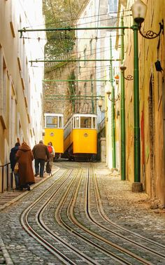 Hubby and I trekked up on foot thinking it couldn't possibly be that bad. Elevador do Lavra - Lisboa - Portugal Lisbon Tram, Lisbon City, Spain And Portugal, Portugal Travel, Monuments, Places To Travel, Places To See, Places Around The World, Around The Worlds